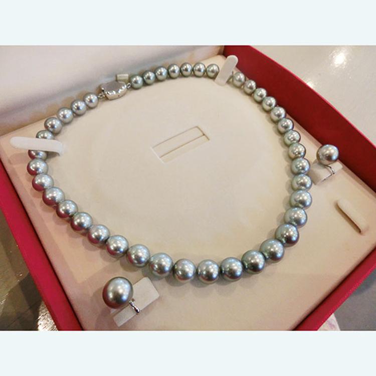 南洋真珠 ダークグレーのネックレスとイヤリング