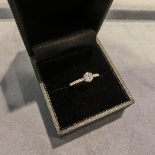 ピンクダイヤモンドのリング をリメイク